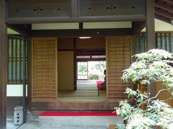150429鶴舞公園鶴々亭④、玄関 (コピー).JPG