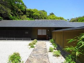 160419浜松市茶室「松韻亭」①、前庭と玄関 (コピー).JPG