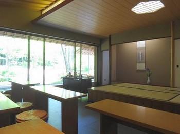 160419浜松市茶室「松韻亭」⑤、立礼席 (コピー).JPG