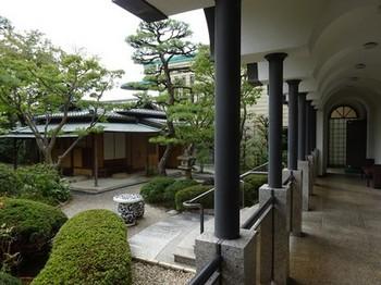 160916桑山美術館⑥、回廊 (コピー).JPG