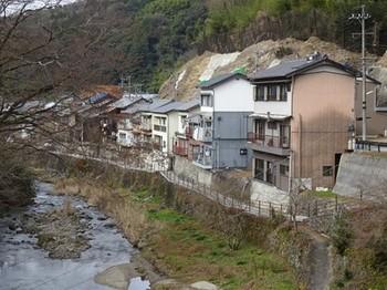 170106足助めぐり05、今朝平橋から見る町並み (コピー).JPG
