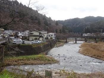 170106足助めぐり50、足助川と巴川の合流点 (コピー).JPG