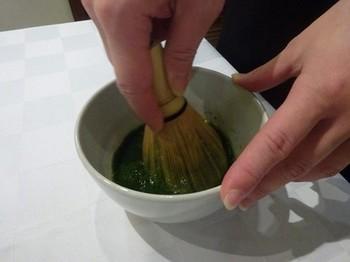 170118和の美人度アップ講座12、茶筌で点てる (コピー).JPG
