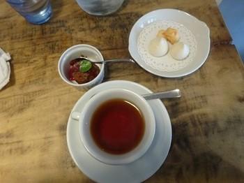 170222イノーヴェ⑧、紅茶とデザート (コピー).JPG