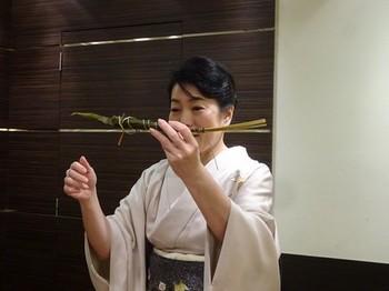 170413女将塾「愛される所作~桜色の会」27、粽の美しいいただき方 (コピー).JPG