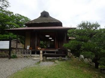 170528玄宮園06、鳳翔台(茶席) (コピー).JPG