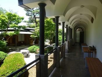 170604桑山美術館⑥、回廊と庭園 (コピー).JPG