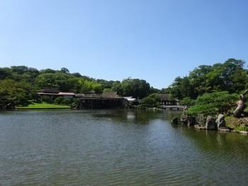 170908玄宮楽々園15、魚躍沼 (コピー).JPG