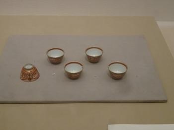s_170528湖東焼の彦根20、彦根城博物館(湖東焼煎茶碗).JPG