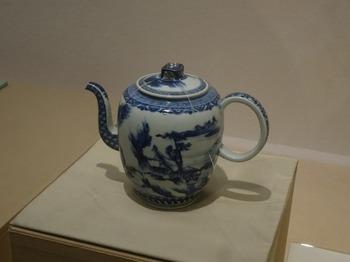 s_170528湖東焼の彦根24、彦根城博物館(湖東焼の水注).JPG