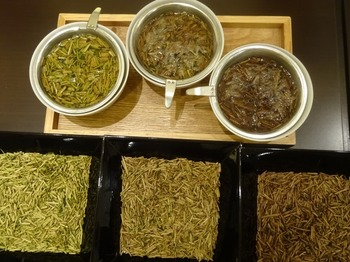 s_170926深緑茶房「お茶教室」①、ほうじ茶飲み比べ(焙煎度).JPG