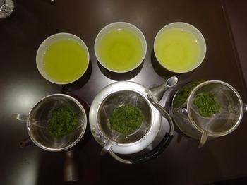 s_171031深緑茶房「お茶教室」⑩、急須の材質の違い.JPG
