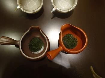 s_171031深緑茶房「お茶教室」⑪、四日市萬古vs常滑焼.JPG