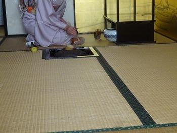 s_180103津島神社新春呈茶会⑫、お手前.JPG
