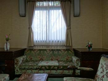 s_180309東山荘⑰、第二洋室.JPG