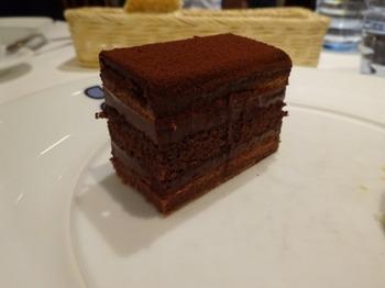 s_180314ポール・ボキューズ名古屋⑤、チョコレートケーキ.JPG