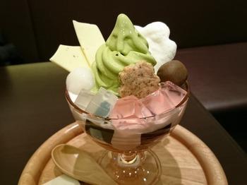 s_180319茶カフェ深緑茶房②、桜パフェ.JPG