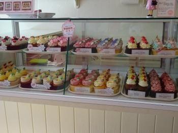 s_180622London Cupcakes名古屋店③.JPG