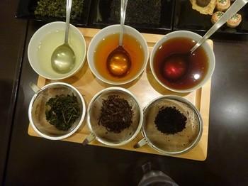 170829深緑茶房「お茶教室」13、飲み比べ(凍頂烏龍茶、祁門紅茶、普洱茶) (コピー).JPG