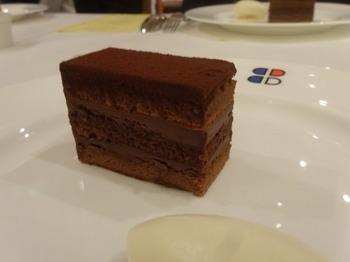 s_180214ポール・ボキューズ名古屋⑥、チョコレートケーキ.JPG