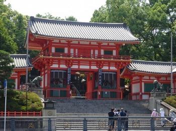 s_180625八坂神社楼門.JPG