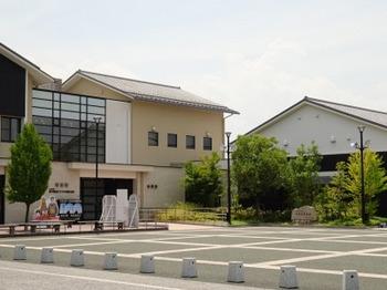 s_180726大垣市奥の細道むすびの地記念館①.JPG