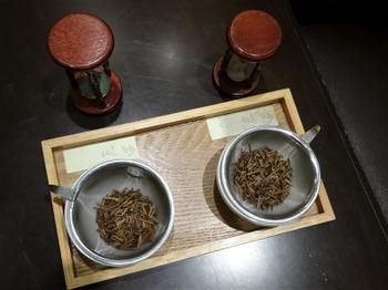 s_180821深緑茶房「お茶教室」⑩、抽出温度の違い.JPG