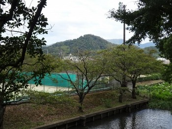 s_181001玄宮楽々園⑥、佐和山.JPG