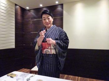 s_181114女将塾「愛される所作~紺色の会」05.JPG