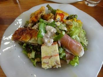 s_181124ジュブリルタン11、葉物サラダと惣菜.JPG