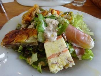 s_181124ジュブリルタン12、葉物サラダと惣菜.JPG