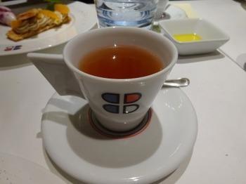 s_181230ポール・ボキューズ名古屋11、紅茶.JPG