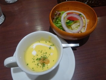 s_190320文化洋食店名鉄店02、サラダとコーンスープ.JPG