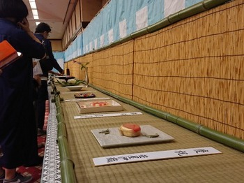 s_190716祇園祭献茶式「菓匠会協賛席」23、展示会場.JPG